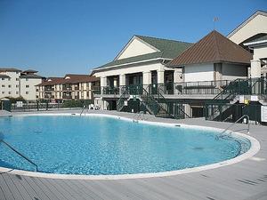 Islander Villas pool at The Isles Restaurant